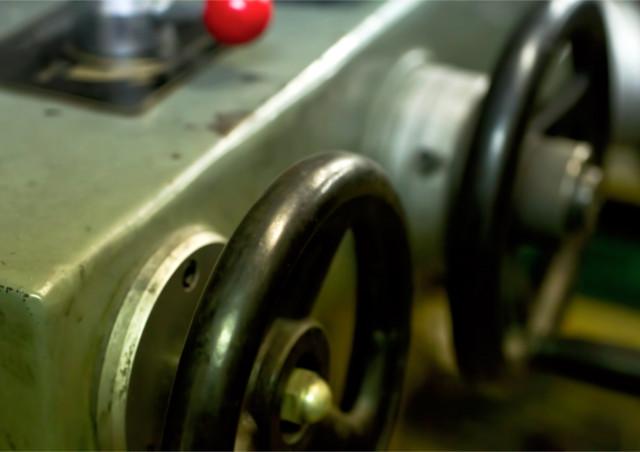 精密板金加工と一般的な板金加工は何が違う?